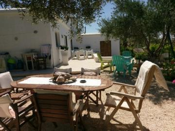 21180-a-retro-vintage-two-bedroom-bungalow-is-for-sale-in-mesa-chorion_full