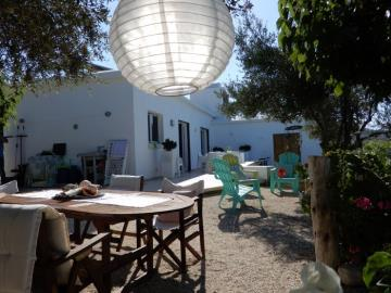 21181-a-retro-vintage-two-bedroom-bungalow-is-for-sale-in-mesa-chorion_full