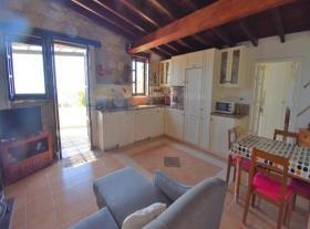 Image No.6-Maison de village de 2 chambres à vendre à Pissouri