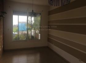 Image No.2-Maison / Villa de 3 chambres à vendre à Timi