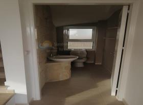 Image No.10-Maison / Villa de 3 chambres à vendre à Timi