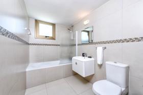 Image No.5-Maison / Villa de 3 chambres à vendre à Ayia Napa
