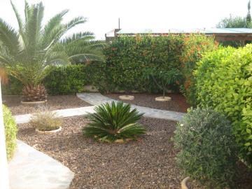 16d-Front-Garden