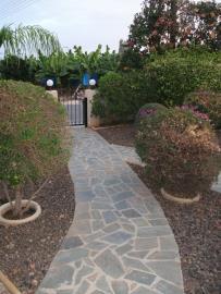 16c-Karisto-stone-paved-footpath