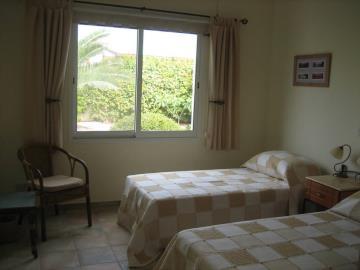 8a-Garden-Bedroom