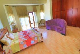 Image No.11-Villa de 4 chambres à vendre à Tsada