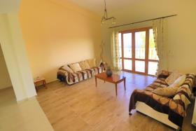 Image No.12-Villa de 4 chambres à vendre à Tsada