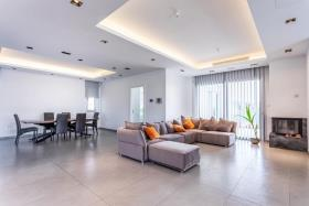 Image No.3-Maison / Villa de 6 chambres à vendre à Agia Fyla