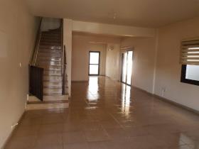 Image No.2-Maison / Villa de 3 chambres à vendre à Aradippou
