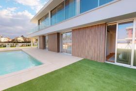 Image No.17-4 Bed Villa / Detached for sale