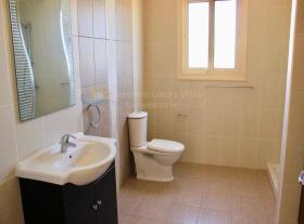 Image No.8-Maison / Villa de 3 chambres à vendre à Moni