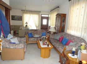 Image No.3-Villa de 4 chambres à vendre à Aradippou