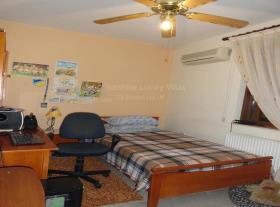 Image No.9-Villa de 4 chambres à vendre à Aradippou