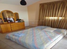 Image No.10-Villa de 4 chambres à vendre à Aradippou