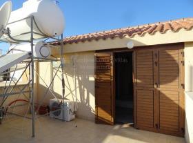 Image No.19-Villa de 4 chambres à vendre à Aradippou