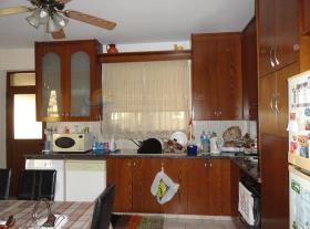Image No.4-Villa de 4 chambres à vendre à Aradippou