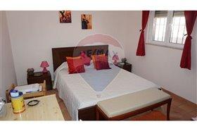 Image No.6-Villa de 4 chambres à vendre à Faro City