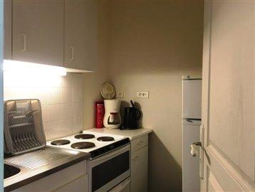 8239-Kitchen