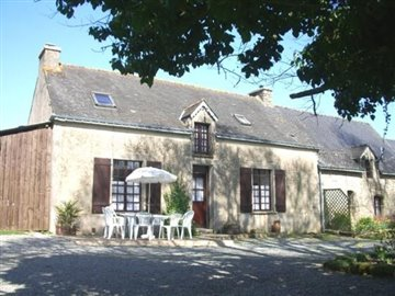 P7110355 Cottage