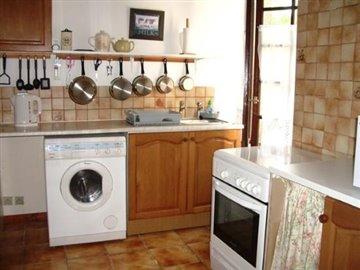P7110355  Cottage Kitchen