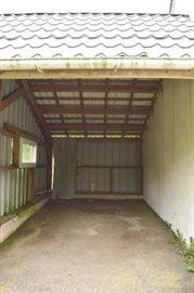 DSC_0479 garage