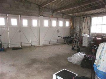 P7050189 GARAGE