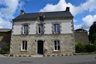 1 - Bubry, House