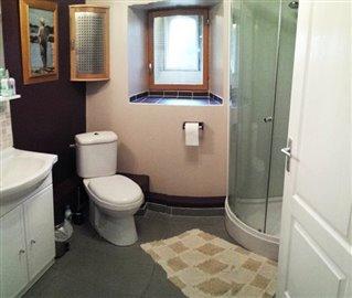 1-14977 Bathroom