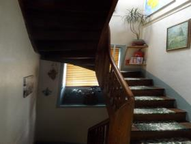 Image No.16-8 Bed House for sale