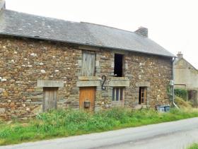 Saint-Malo-des-Trois-Fontaines, House