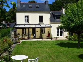 Landeleau, House