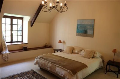 15195-Master-Bedroom-2
