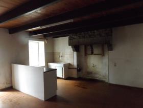 Image No.2-Maison de 2 chambres à vendre à Maël-Pestivien
