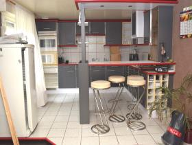 Image No.6-5 Bed Restaurant for sale