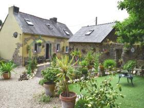Poullaouen, House