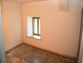Image No.11-1 Bed House for sale