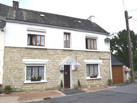 Saint-Tugdual, House