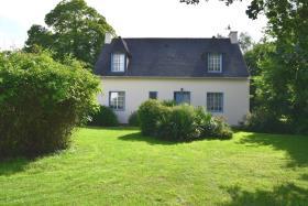 Châteauneuf-du-Faou, House
