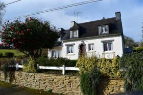 Saint-Goazec, House