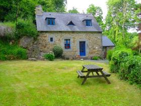 Brélidy, House
