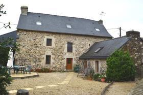 La Grée-Saint-Laurent, House