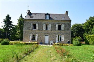 1 - Langoëlan, House