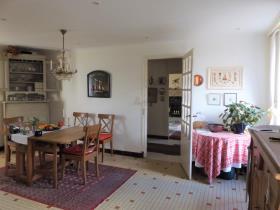 Image No.3-Maison de 4 chambres à vendre à Guerlesquin