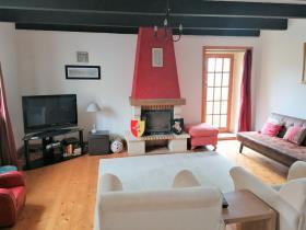 Image No.2-Maison de 2 chambres à vendre à Maël-Carhaix