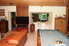 Image No.8-5 Bed House for sale