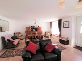Image No.4-Maison de 10 chambres à vendre à Callac