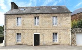 Image No.0-Maison de 4 chambres à vendre à Callac
