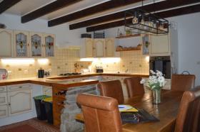 Image No.5-Maison de 5 chambres à vendre à Bourbriac