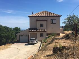 Image No.0-Maison / Villa de 3 chambres à vendre à Santa Catarina da Fonte do Bispo