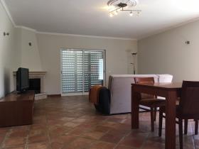 Image No.2-Maison / Villa de 3 chambres à vendre à Santa Catarina da Fonte do Bispo